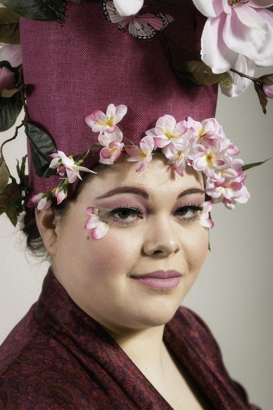Lidy Nieuwendijk 3e Mensen - Dame met hoed